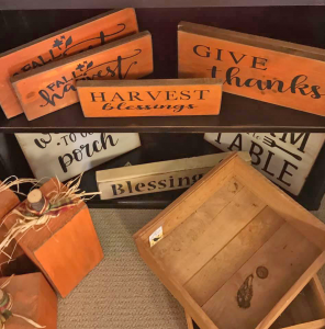 Fall Decor Ideas: Primitive Signs